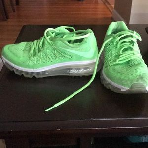 Kids Nike air max 2015 voltage green. Size 4Y